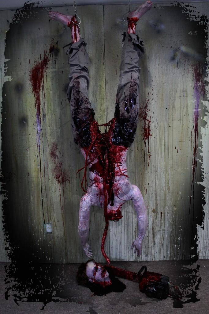 2016 BLOODY HEADLESS CHAINSAW VICTIM PROP