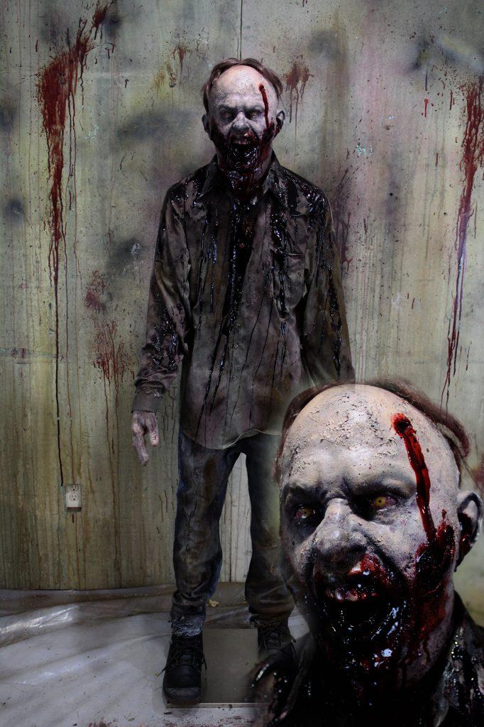 New 2017 Zombie Walker Halloween Prop Angry Zombie