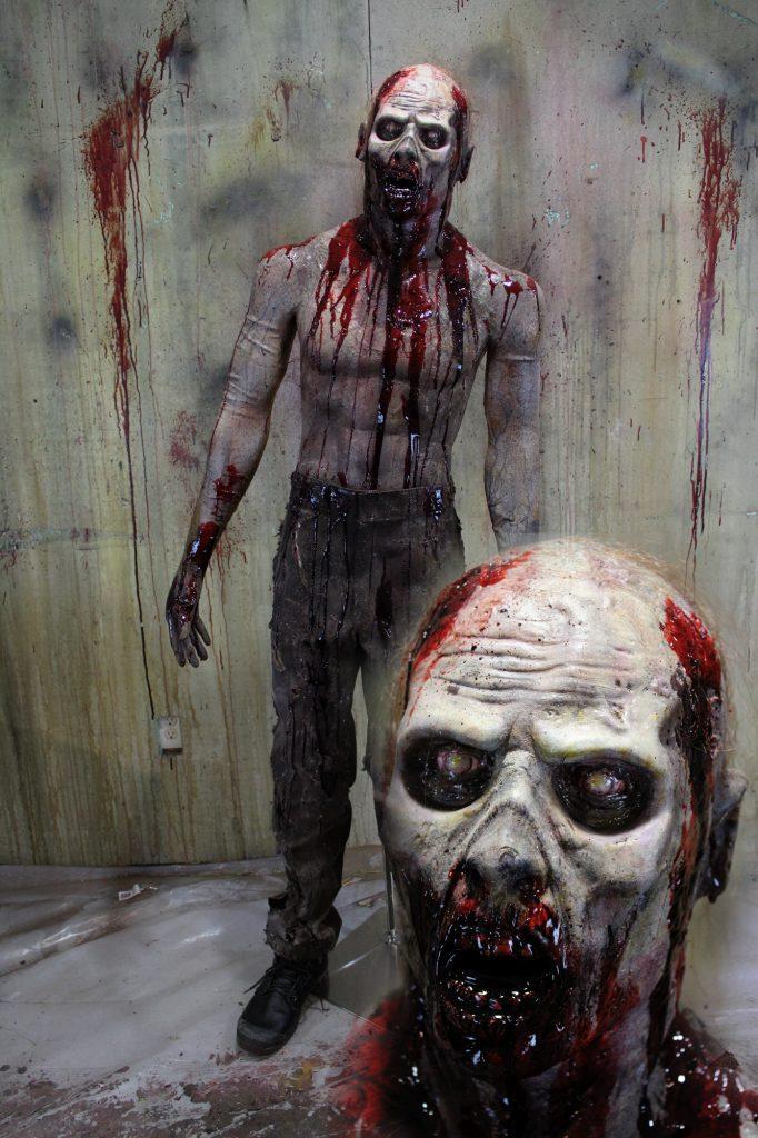 New 2017 Zombie Walker Halloween Prop Grim Grave