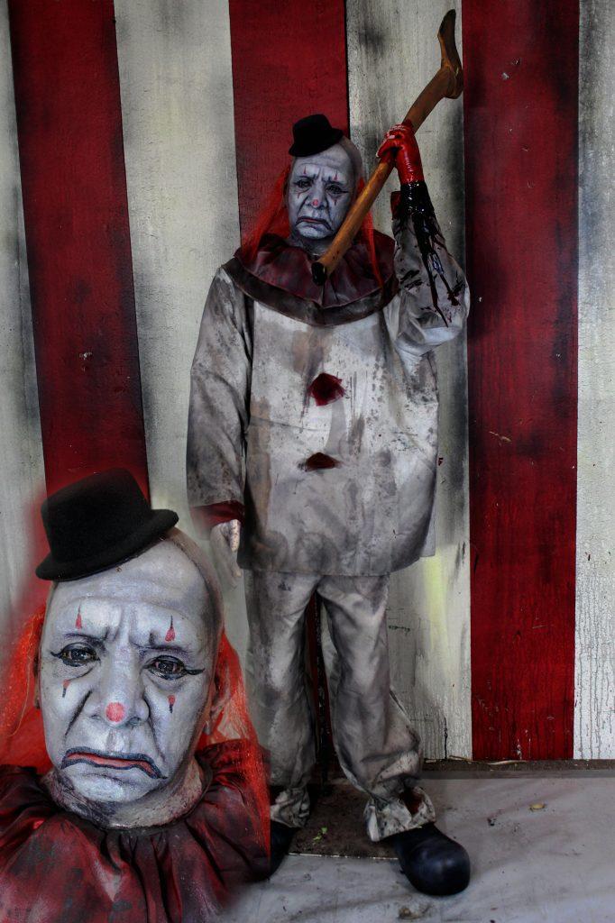 New2017 Scary Clown Halloween Prop Sad Sam with Ax