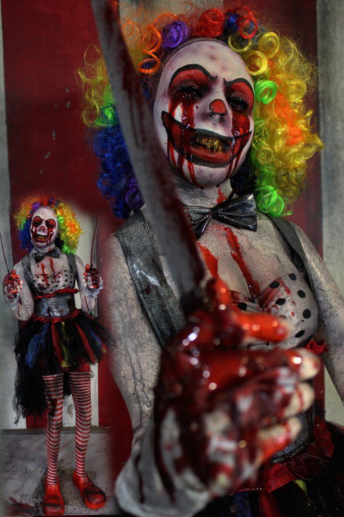 New 2017 Scary Clown Halloween Prop Sally Stabby