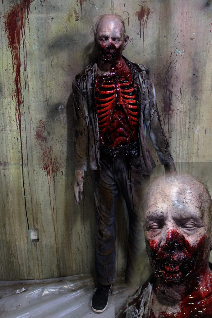 New 2017 Zombie Walker Halloween prop Old Stench