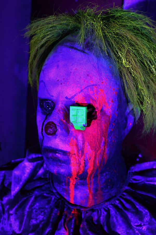 3D UV Halloween Prop Glow Clown 2