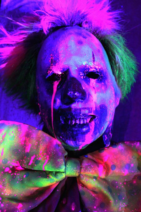 3D UV Glow Halloween Prop Clown 4