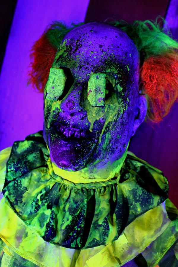 UV-3D Halloween prop Evil clown 3pk