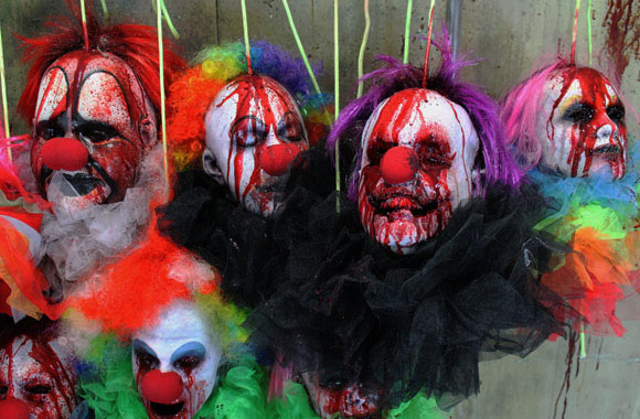 5 Bloody Decapitated Clown Halloween Haunted house heads  m,