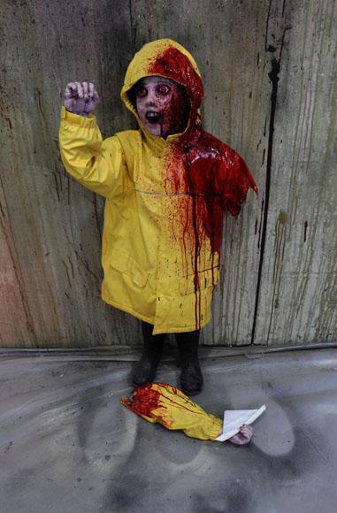 New 2018 Halloween Haunted House prop Raincoat Boat kid