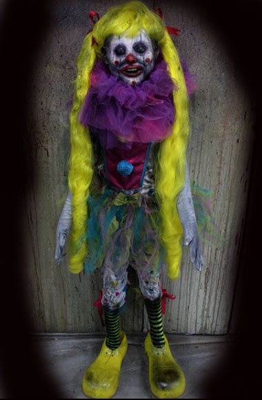 new 2018 Halloween Haunted House prop doll Clown-abelle