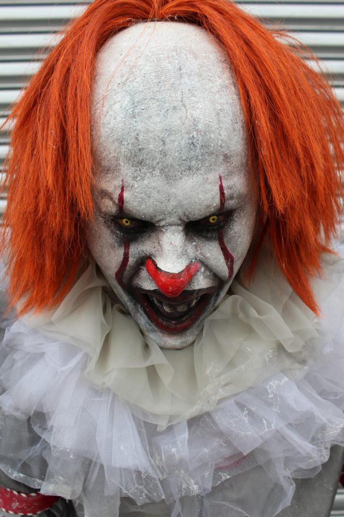 New 2018 Halloween Haunted House prop Child Eater Clown