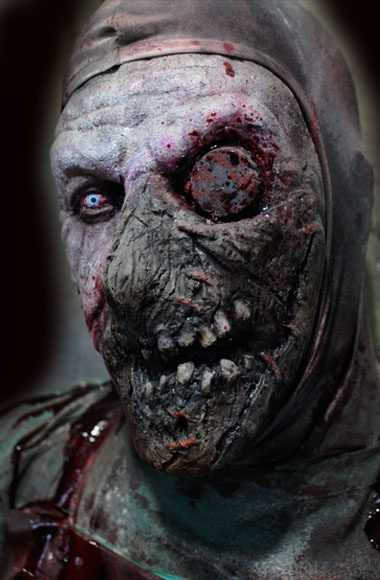 New 2018 Halloween Haunted House prop Prop Sinister Surgeon