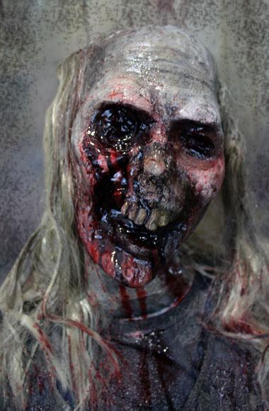New Midrange Prop Zombie Female stalker3