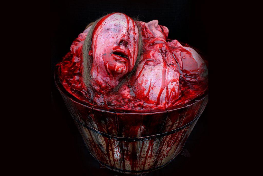 Gore Pile Heads Deluxe halloween gore prop