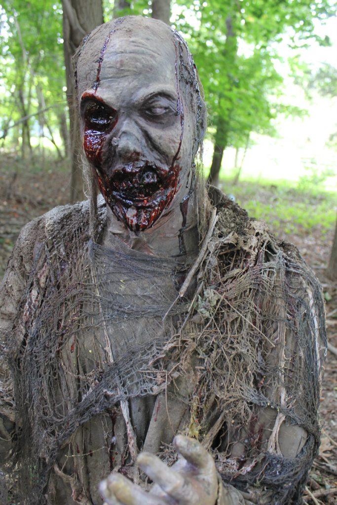 Halloween Prop Ground Breaker zombies set