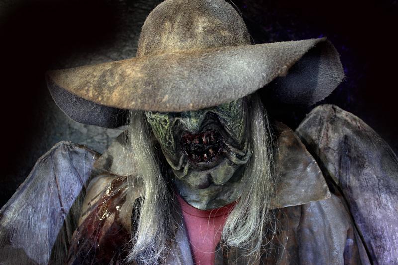 New 2020 Halloween prop The Creeper Deluxe