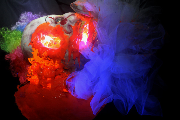 Pooled 3D glow 2021 Clown head with LED..